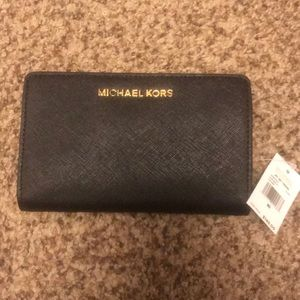Michael Kors Jet Set Travel Slim Bifold Wallet